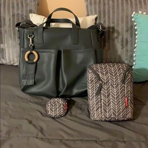 Skip Hop Greenwich Simply Chic Tote/Accessories